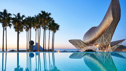 infinity-pool-sunset-hotel-arts-barcelona-1600x900